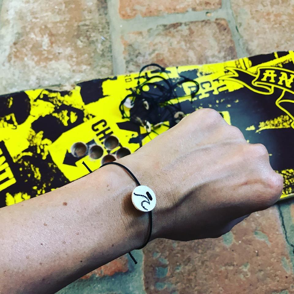 Armband aus Skateboard