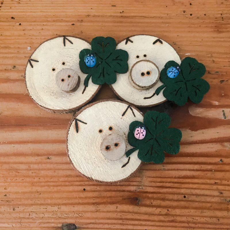 Glücksschweine aus Holz