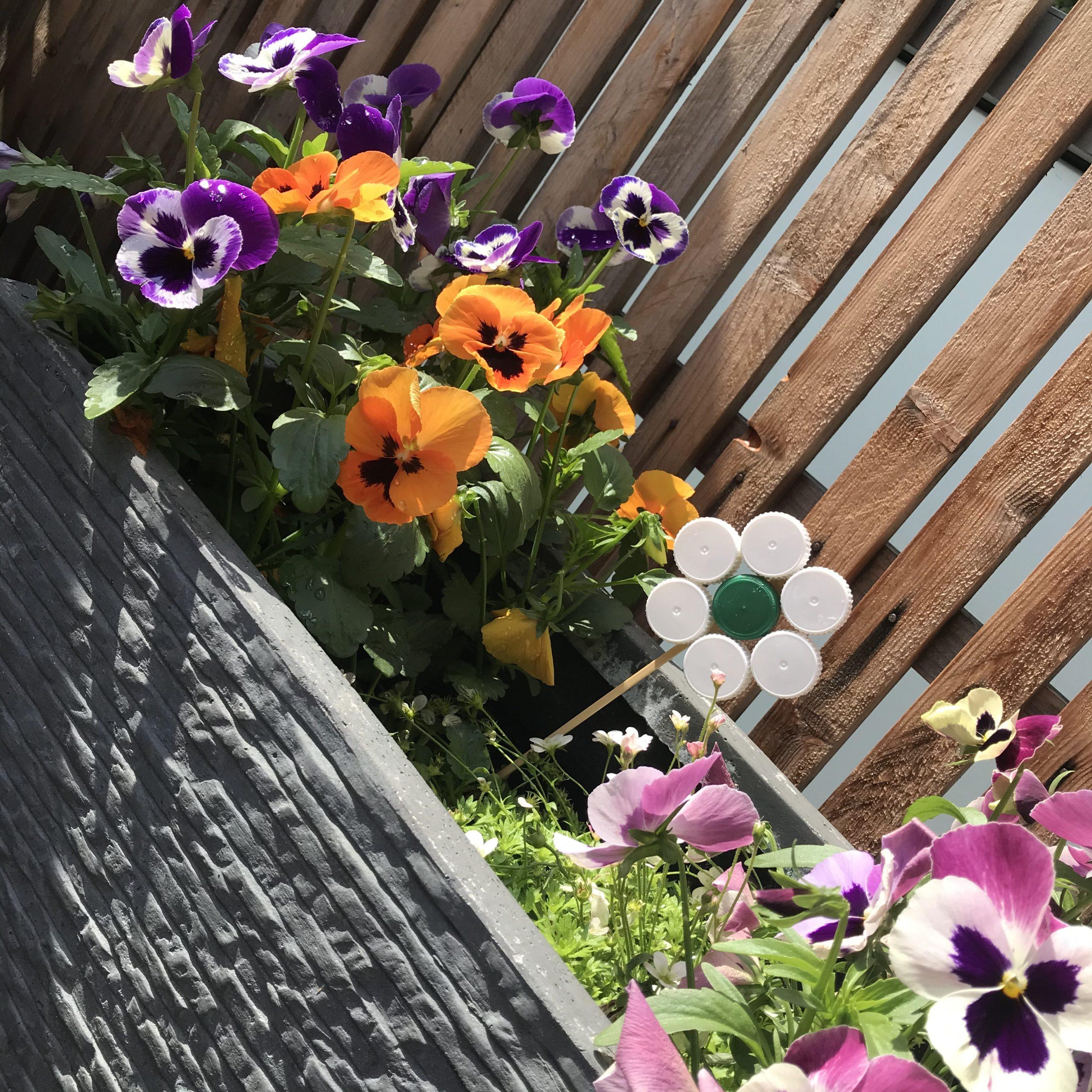 Blume aus Verschlusskappen